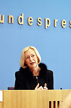 First press conference of the Minister of Education and Research Johanna Wanka