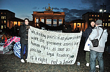 Hunger strike in front of the Brandenburg Gate