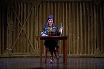 Jessica Schwarz reads passages from the book 'Oma und Frieder'