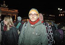 Hunger strike in front of the Brandenburg Gate