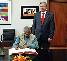 Klaus Wowereit meets the Nobel Peace Prize recipient Muhammad Yunus
