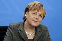 Angela Merkel receives Luxembourg's new prime minister Xavier Bettel