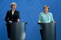 Angela Merkel receives the Prime Minister of the United Kingdom Theresa May