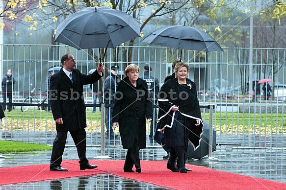 Angela Merkel receives the Prime Minister of Norway Erna Solberg